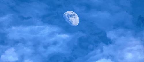 moon luna lunar landscape sky clouds atmosphere astronomy satellite crescent luminous celestial mysterious digital camera retrato paweesit photo photograph picture shot capture interesting interestingness ©paweesit