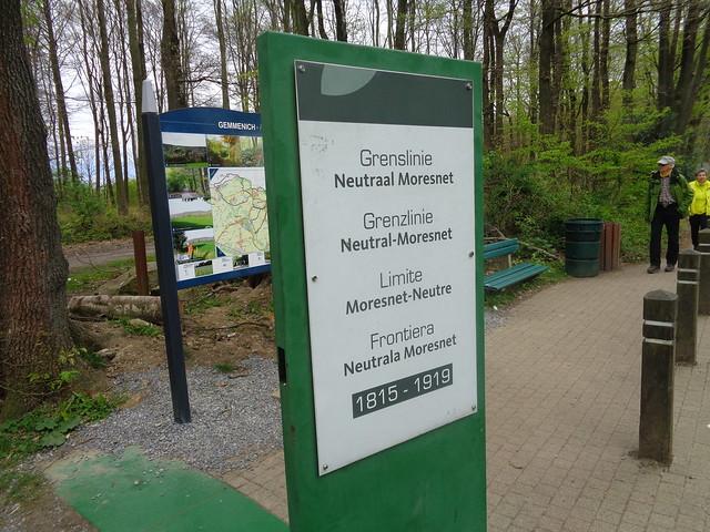 Neutral Moresnet border