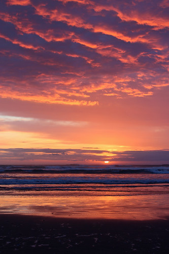seaside sunset or oregon beach ocean clouds clatsop county pacific waves april 2017