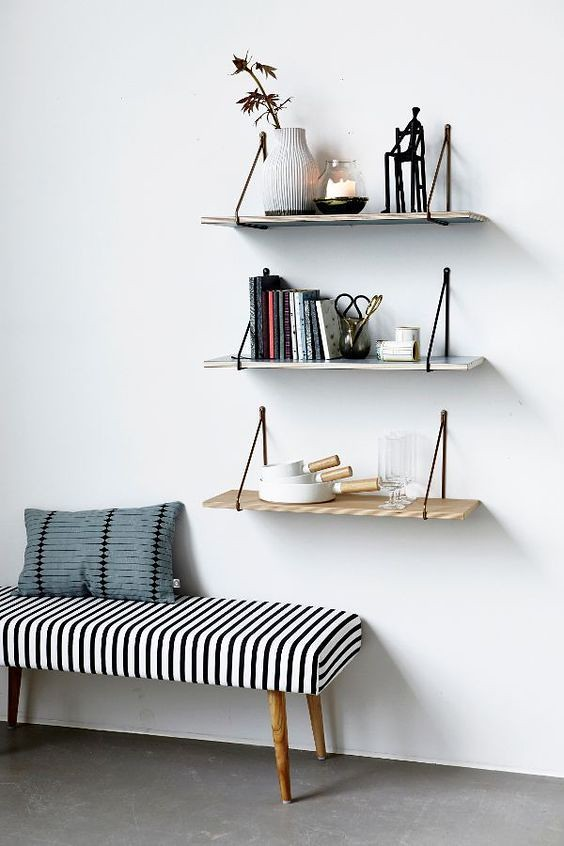 DIY Shelves Ideas : Idée Déco Couloir Entrée Banquette.