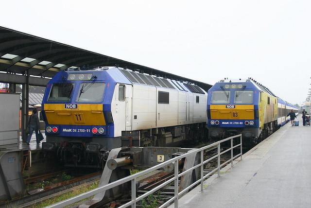 NOB: DE 2700-11 und DE 2700-03 in Westerland/Sylt