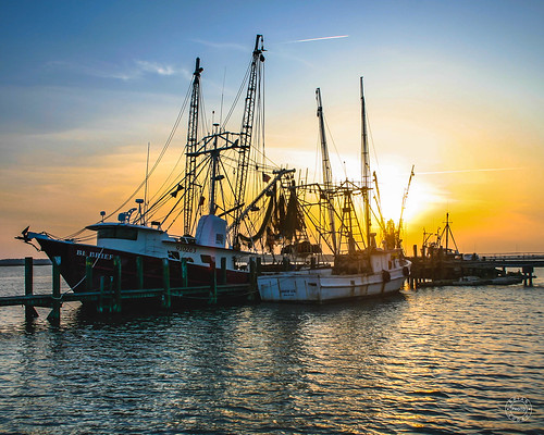 water landcape sky boat fishing sunset southcarolina beaufortcounty okatie unitedstates us