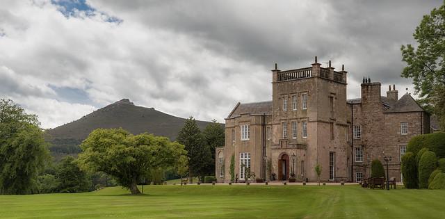 Macdonald Pittodrie House.jpg