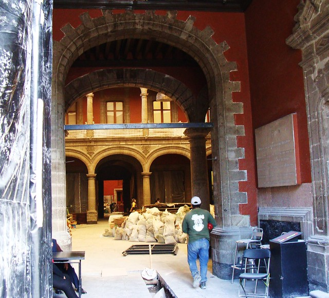 Mexico City / Meeting of 2 Worlds - Museum under Renovation