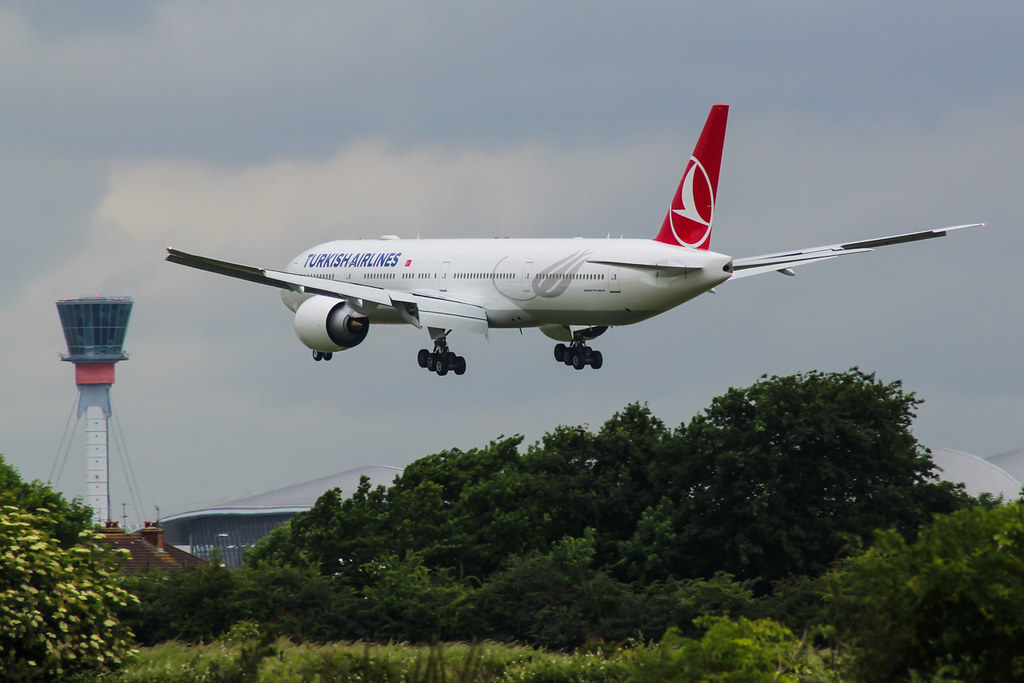 TC-LJK Boeing 777 Turkish Airlines