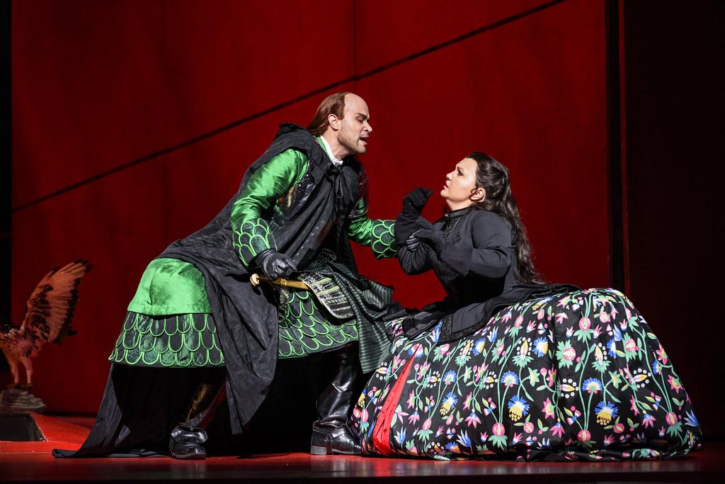 Bejun Mehta as Farnace and Albina Shagimuratova as Aspasia in Mitridate, re di Ponto, The Royal Opera © 2017 ROH. Photograph by Bill Cooper