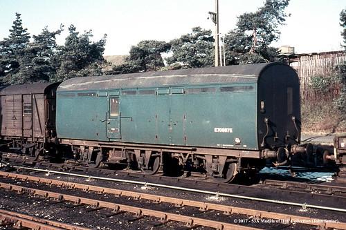 britishrail thompson 6wheel brakevan bz e70687e npcs andover hampshire train railway locomotive railroad