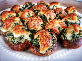 Spinach and Cheese Stuffed Mushrooms | by teamwaylay