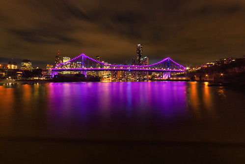 longexposure le brisbane queensland australia brisbaneriver night skyline cityscape landscape clouds dusk storybridge