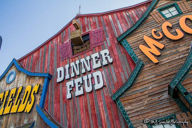 Hatfield & McCoy Dinner Feud | Pigeon Forge, Tennessee