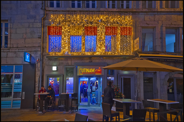 Couleurs de fêtes  à Besançon; Utinam Café , no. 5584.