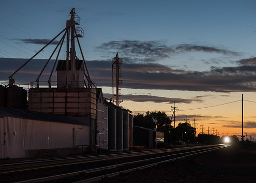 train railroad bnsf fowler colorado co grainelevator sunset evening sky clouds
