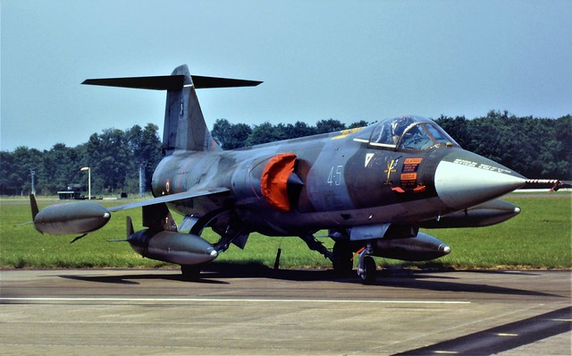 F-104S-ASA Starfighter MM6732/4-5 9°Gruppo/ 4°Stormo, Italian Air Force/ AMI. Volkel Open-House, The Netherlands. 01 July 1995.