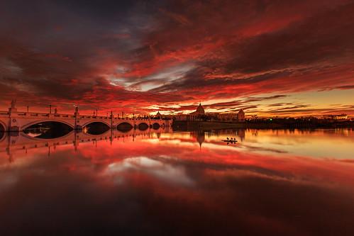 奇美博物館 火燒雲 日出 晨曦 晨彩 倒影 sunrise taiwan tainan 6d ef1635mm reflection 長曝 longexposure 水池