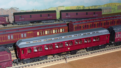 (Model) 'Vintage' trains passing