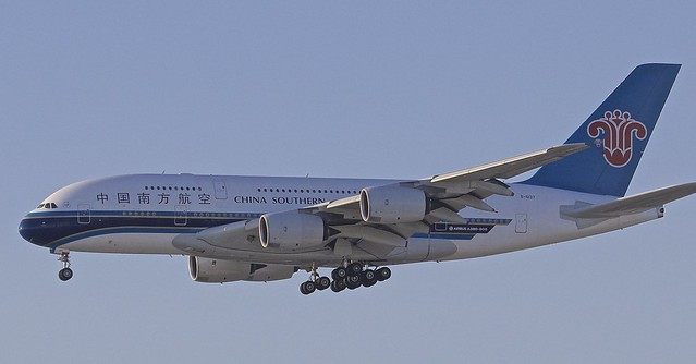 LAX/KLAX: ChinaSouthernAirlines Airbus A380-841 B-6137