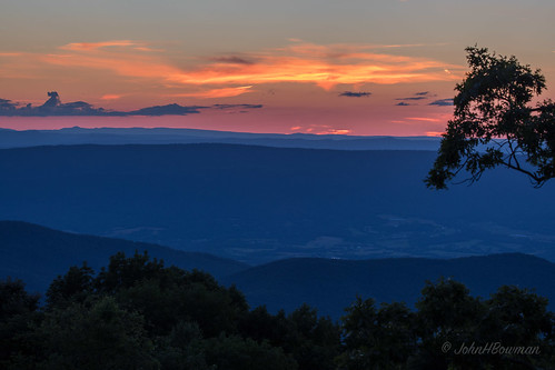 virginia pagecounty virginiamountains parks nationalparks shenandoahnationalpark skylinedrive tannersridgeoverlook sunsets afterglow june2017 june 2017 canon1004004556l2