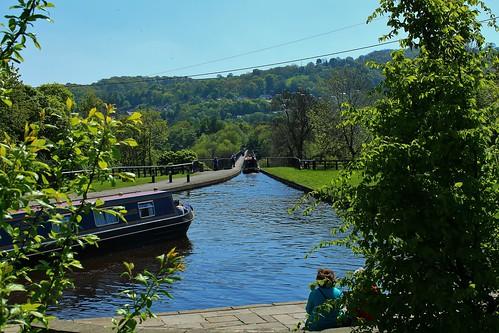 europe uk wales trevor canal outdoor sunlight aqueduct narrowboats barge trees pontcysyliteaqueduct simplysuperb greatphotographers