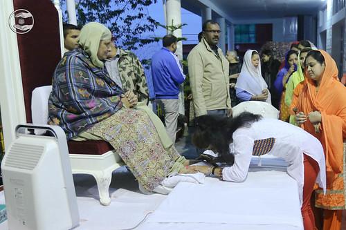 Devotees seeking blessings: June 08
