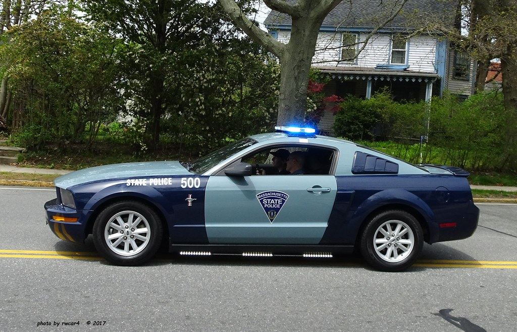 Massachusetts State Police - 2006 Ford Mustang - Ceremonia