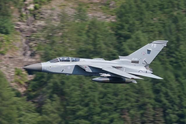 ZE201  'FB'  Tornado F3  RAF  25 Sq