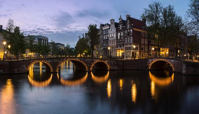 Dans le port d'Amsterdam... - Explored