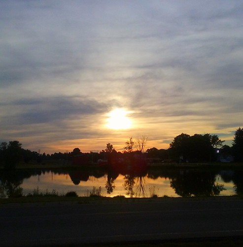 sunset sun sundown olean oleanny fornesspond pond reflection westernnewyork wny nature