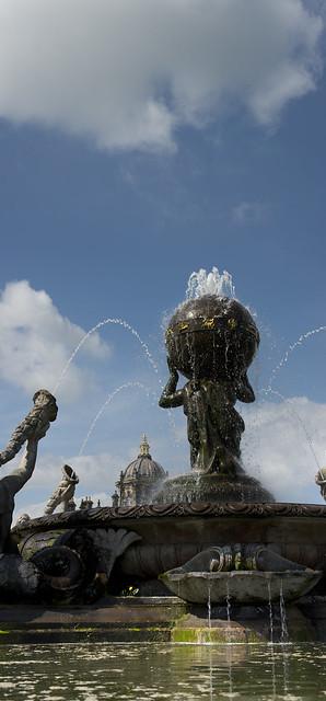 Castle Howard Fountain Vertorama1