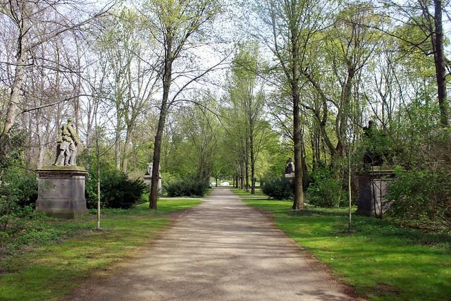 Kriegergruppen im Tiergarten