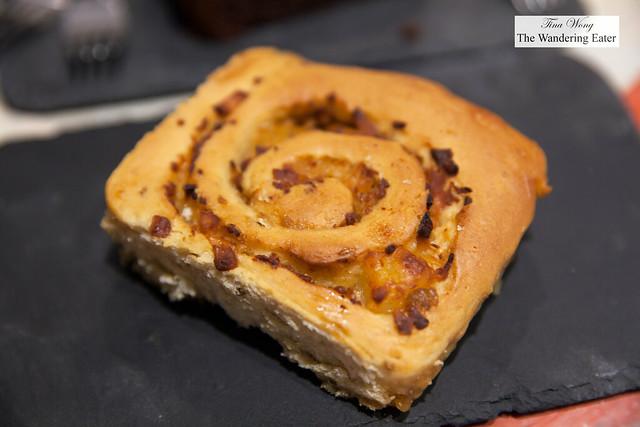 Venezuelan cinnamon bun (golfeado) made with panela sugar
