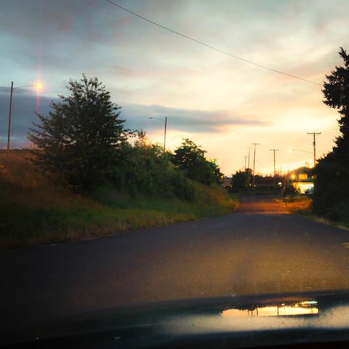 neighborhood windshield eugene builtlandscape oregon sunset houses goldenhour lanecounty america sky regionaldistinctions pacificnorthwest suburbanlandscape streets streetlights pnw upperleftusa magichour
