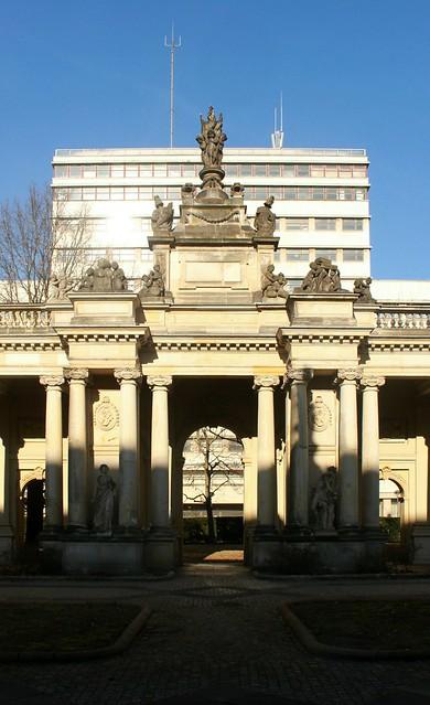 Königskolonnaden: Mittelpavillon (2)