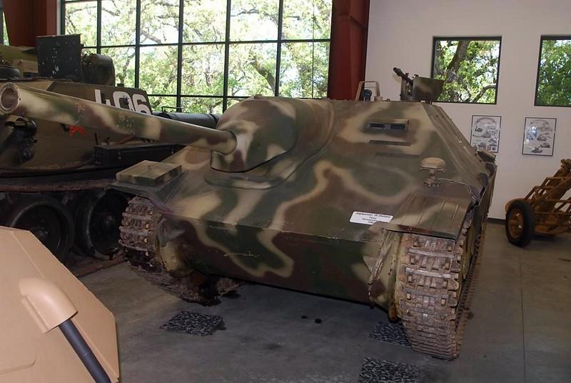 Jagdpanzer 38 Hetzer 1