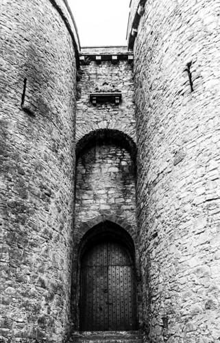 marcial bernabeu bernabéu irlanda ireland limerick castillo castle king john rey juan wall muro torre tower door puerta entrance entrada old monochrome monocromo bw black white blanco negro blancoynegro blackandwhite monocromático blackwhite marc
