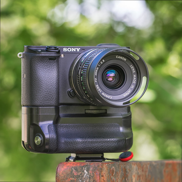 Canon nFD 28mm ƒ/2.8 on SONY a6300