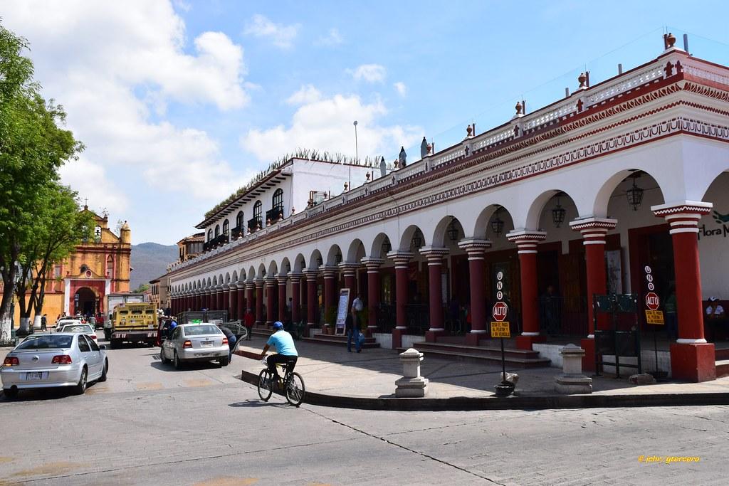 Vista de portales en San Cristóbal de las Casas, Chiapas..… | Flickr