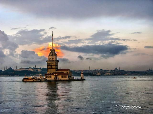 İstanbul / Kız Kulesi . . .