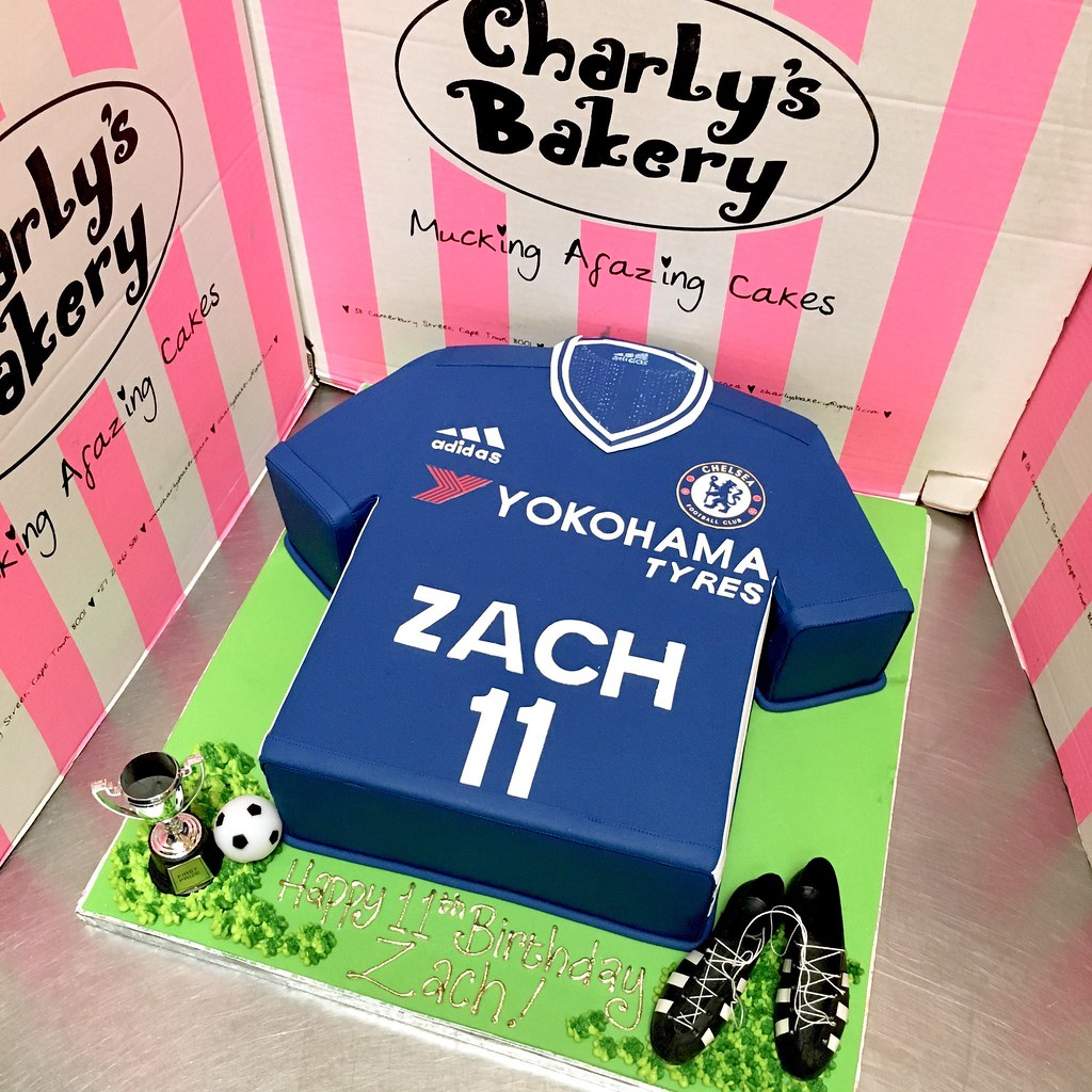low priced f285d a9a62 3D Chelsea Soccer / Football Kit T-shirt shaped cake 2016 ...