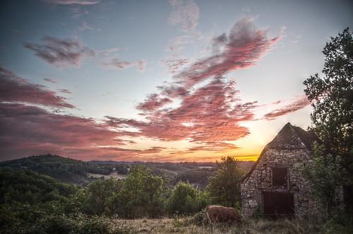 sun sunset skyview clouds nuages sunlight coucherdesoleil quercy lot midipyrénées occitanie paysage landscape hdr pentaxk5 ciel