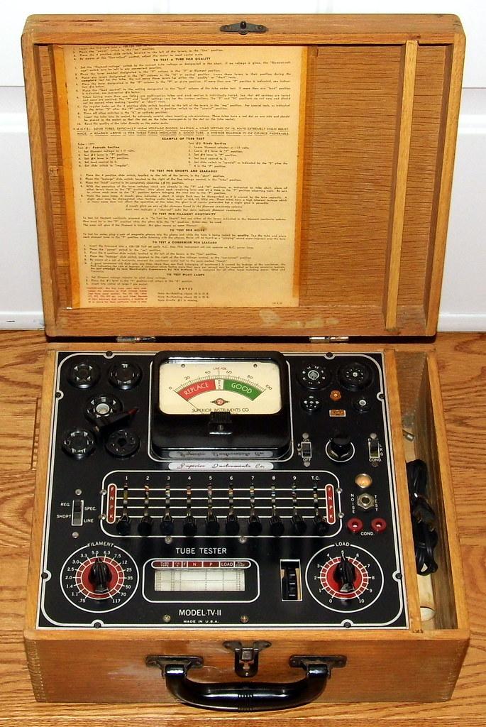 Vintage Superior Instruments Company Vacuum Tube Tester, M