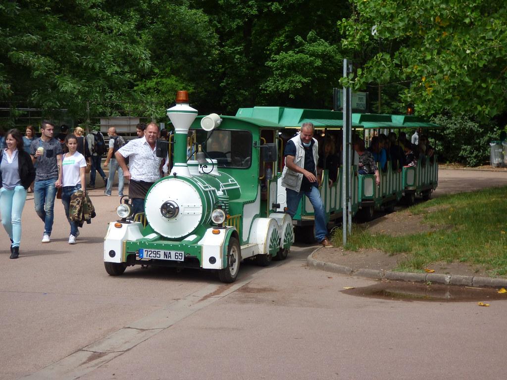 Tourist Road Train Parc De La Tête D Or Lyon Lyon Zoo Flickr