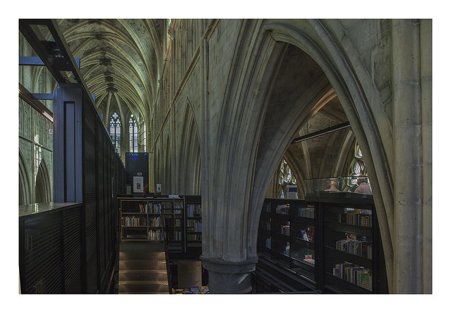 Gothic progression (Dominicanen Bookstore Maastricht)