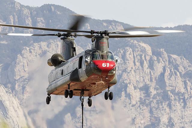 _31A7563 Boeing CH-47D Chinook N561AJ