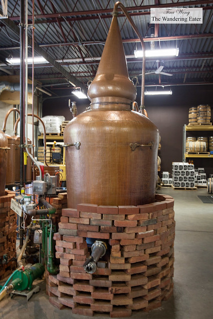 Copper still insulated with bricks for distillation