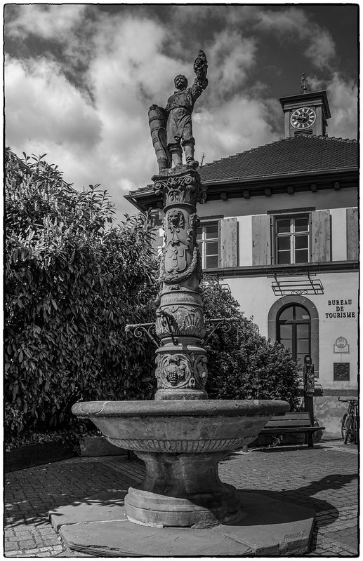 Fontaine des Vignerons de Ribeauvillé (Fountain of the winemakers)
