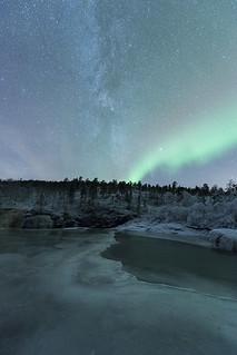 """Under the arc"" | by Ronny Årbekk - http://arcticphotography.no"