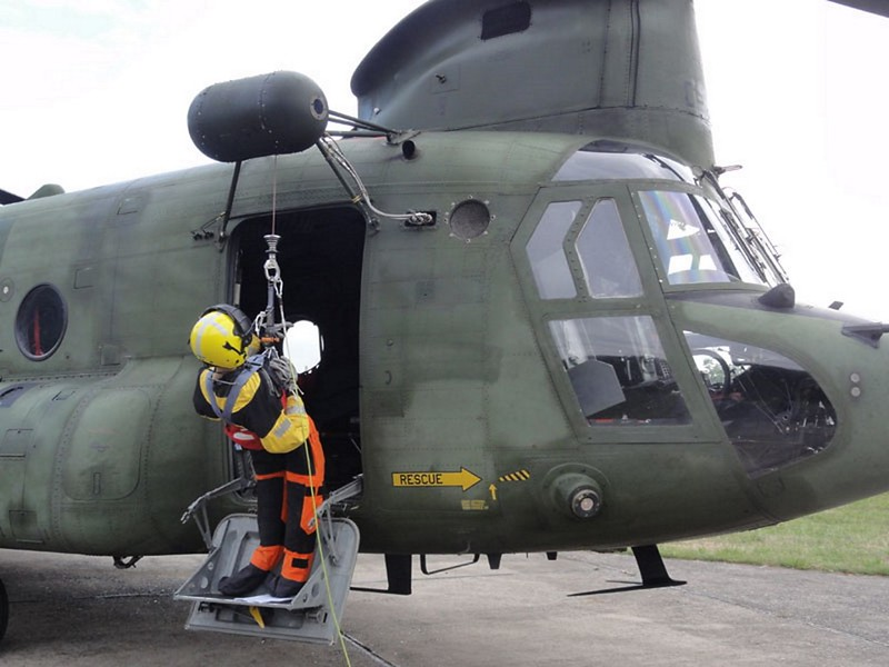Boeing CH-47D Chinook 4