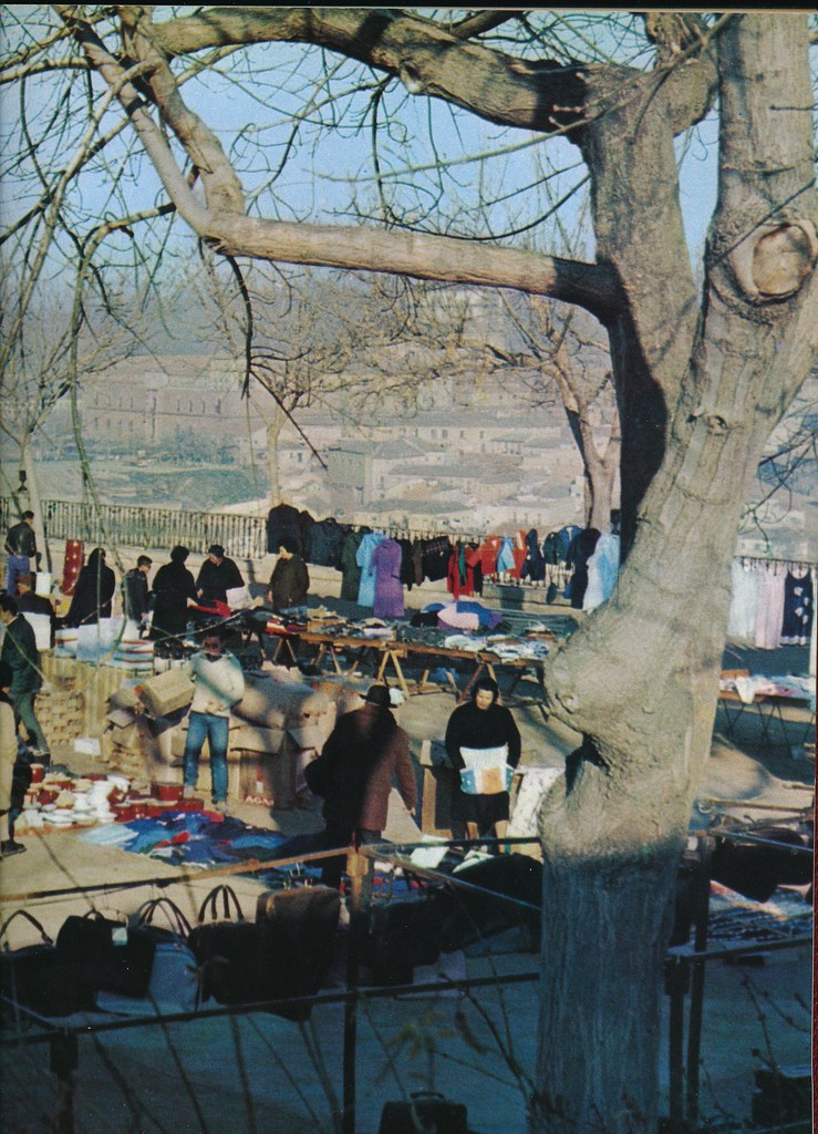 Mercado del Martes en el Miradero de Toledo hacia 1967 por Marc Flament.