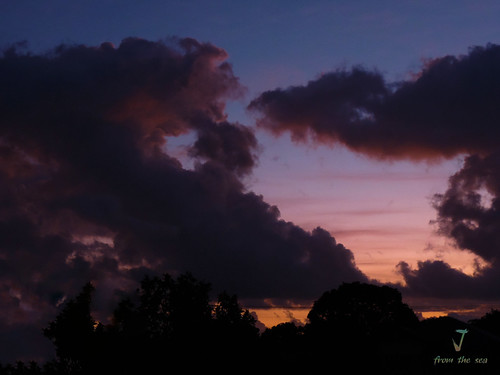 pink blue sky storm clouds sunrise nikon o bundaberg p520