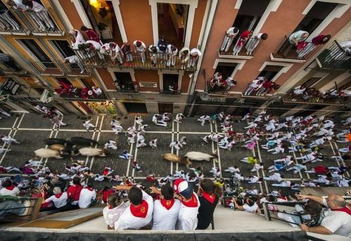 Dos cornados en un veloz séptimo encierro en Pamplona | by La Jornada San Luis